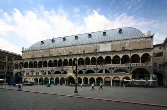 Palazzo_della_Ragione_Padua_Fassade (c) Wikipedia