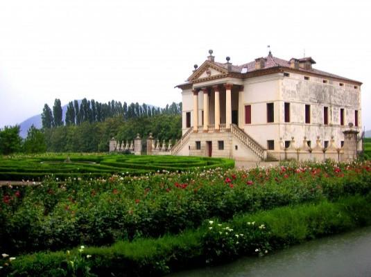 villa_emo_rivella_garden (c) gardenvisit com